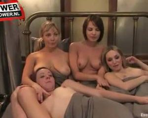 Een extreme lesbische orgy