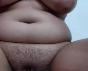 Jong koppel doet aan webcam sex